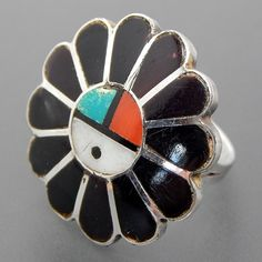 NATIVE AMERICAN VINTAGE JET TURQUOISE CORAL & MOTHER OF PEARL INLAY SUN FACE STERLING SILVER RING - SIZE 5.75