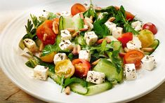 A tasty Summer salad with white cheese that can serve as a light lunch or as a side dish to your everyday meal. Easy Salads, Summer Salads, Cucumber Salad, Tofu Salad, Nicoise Salad, Fennel, Us Foods, The Fresh, Family Meals