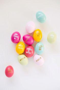 Cute DIY: typography Easter eggs