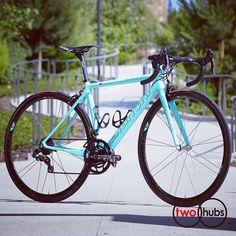 Celeste #227 #twohubs #bikeporn #bianchi #celeste #227 #campagnolo #superrecord #reportacorse #italia #corima #mfck #selleitalia #timesport