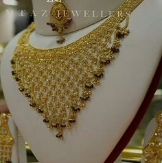 Gold Jewelry Simple, Stylish Jewelry, Necklace Set, Gold Necklace, Gold Haram, Gold Choker, Gold Jewellery Design, Gold Gold, Jewelry Patterns