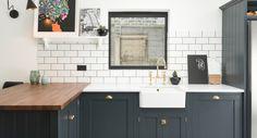 The East Dulwich Kitchen photo 1 Shaker Cabinets, Kitchen Cabinets, Workshop Shed, Devol Kitchens, Freestanding Kitchen, Kitchen Photos, Kitchen Ideas, Shaker Kitchen, Wood Stone