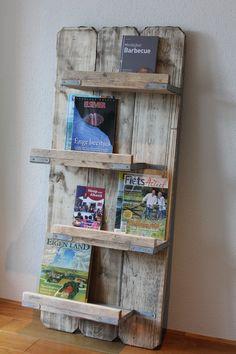 Boeken c.q. tijdschriftenrek van steigerdelen Gemaakt en gefotografeerd door Leen de Ruiter