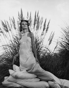 Veruschka in Hawaii November 1966  Photo by Franco Rubartelli