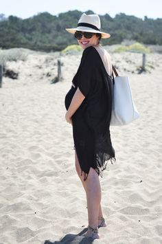 Maternity beach look