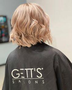 Hair stylist: Melinda - GETT'S Color Bar Iulius Mall Daily Hairstyles, Mall, Blonde Hair, Stylists, Hair Styles, Color, Fashion, Hair Plait Styles, Moda
