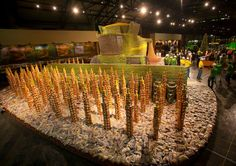 """John Deere's Project """"Can Do"""" created a full-sized combine which weighted over 170 tons!"""