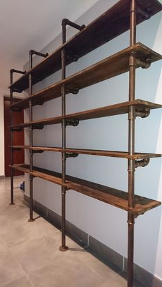 Build a shelf of plumbing pipes - Etagères industrielle Barn Tin Wall, Tin Walls, Living Room Shelves, Wall Bar, Industrial House, Cafe Interior, Shop Interiors, Cabinet Design, Small Spaces
