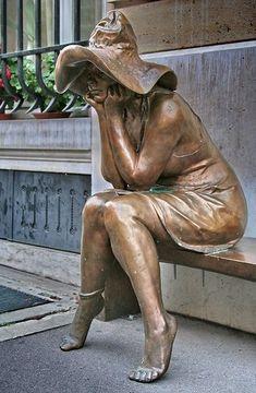 Great statue in Rue Bonaparte, Paris. Rue Bonaparte Paris, Angel Statues, Chef D Oeuvre, Outdoor Art, Bronze Sculpture, Public Art, Ceramic Art, Creative Art, Amazing Art