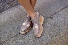 STELLA McCARTNEY PLATFORM SHOES Sapatos Femininos, Curtidas, Calçados Stella  Mccartney, Platão, Sneaker 99e2c1563e