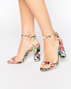 Printed heels.
