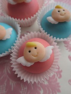 I just made tiny Toppers for cake pops & mini cupcakes. When I updated my Fac. Fondant Cupcakes, Fondant Cake Toppers, Cute Cupcakes, Baby Shower Cupcakes, Fondant Figures, Shower Cakes, Torta Angel, Angel Cake, Cupcakes Design
