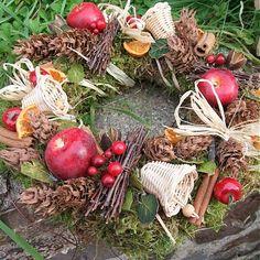 Vánoční mech a jablíčka - věnec na dveře by sanvitalky - SAShE.sk - Handmade Vianoce