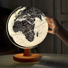 #globo #decoviajera #decoración Globe Lamps, Globe Lights, Apollo Box, Spark Up, Map Wallpaper, World Globes, Applis Photo, Aesthetic Bedroom, Unique Home Decor