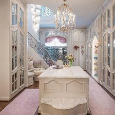 I've seen so many walk in closets... But seriously, nothing made my jaw drop like this one designed by Dallas Design Group