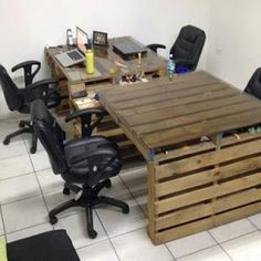wooden pallets to desks / tables