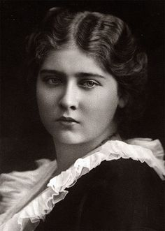 """Princess Maria """"Mignon"""" of Romania, granddaughter of Grand Duchess Maria Alexandrovna. Vintage Pictures, Old Pictures, King Alexander, One Last Dance, Cool Photos, Amazing Photos, Grand Duke, Three Daughters, Queen Victoria"""