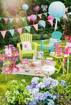 Think pink for your summer fete garden party : UKTV Village Fete, Garden Party Decorations, Garden Birthday, Spring Party, Deco Table, Summer Garden, Garden Picnic, Party Time, Birthday Parties