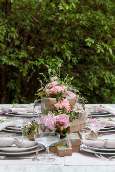 MESA DE PRESENTES by OXFORD