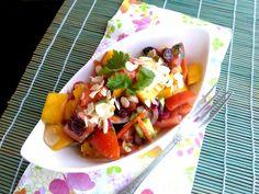 Egzotikus, enyhén csípős saláta, aki nem ismeri, így megszereti a mangót Hot and exotic mango salad Food Tags, Italian Salad, Healthy Salads, Bacon, Mexican, Ethnic Recipes, Mango, Cilantro, Manga