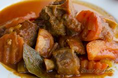 Stewed Ox Tail with Tomato Sauce