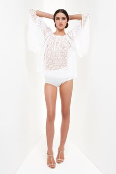 Trend Alert: White Out   Collette Dinnigan  more on: http://onfashionandthings.blogspot.com