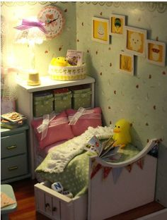love the plush chick and pictures on the wall
