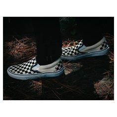 89dc899d687a67 14 Best Vans On Feet images