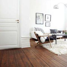 New dark wood floors decor living room interior design ideas Wooden Floors Living Room, Bedroom Wooden Floor, Dark Wood Bedroom, Dark Wooden Floor, White Wall Bedroom, White Walls, Home Room Design, Interior Design Living Room, Living Room Decor