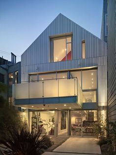 A House with Two Faces - Janus House in San Francisco by Kennerly Architecture & Planning (side 2)