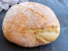 Easy Crusty Vegan Bread Recipe • Veggie Society. Crusty, homemade, easy vegan bread recipe (+ Video) made with only 3 ingredients: flour, water and instant Easy Vegan Bread Recipe, Ciabatta Bread Recipe, Bread Recipe Video, Easy Bread, Italian Bread Recipes, Whole Food Recipes, Cooking Recipes, Rustic Bread, Rustic Italian Bread