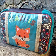 patron valise nouméa (2) Looks Halloween, Couture, Diaper Bag, Lunch Box, Bags, Sleepover Party, Retro Look, Boss, Handbags