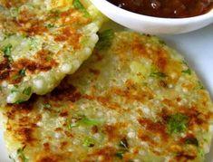 sabudana thalipeeth (sago pearls savoury pancake w/ tamarind relish) - sago pearls are tapioca pearls Veg Recipes, Indian Food Recipes, Asian Recipes, Vegetarian Recipes, Cooking Recipes, Healthy Recipes, Indian Food Vegetarian, Cooking Tips, Indian Breakfast