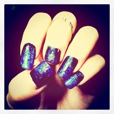 Trying to make an earth in my nails☆ My Nails, Earth, How To Make, Diy, Bricolage, Do It Yourself, Fai Da Te, Diys