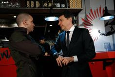 Ignacio González visita con el chef David Muñoz su restaurante StreetXO, el día previo al inicio de FITUR