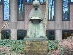 Liedekerke, Belgium lacemaker statue. Used on the Belgian/Croatian 2002 postage stamp.