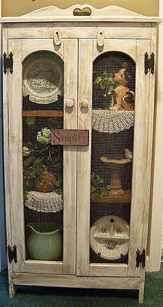 love this little cabinet - Almost like the one I have, except for the chicken wi. - Primitive furniture and decor - Torte Primitive Furniture, Country Furniture, Repurposed Furniture, Shabby Chic Furniture, Country Decor, Vintage Furniture, Rustic Decor, Painted Furniture, Farmhouse Decor