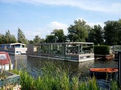 Modern houseboat near Amsterdam - Houses for Rent in Vreeland