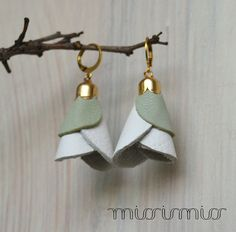 Eco friendly earrings.Leather jewelry.Contemporary por missismiss