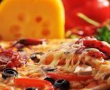 Daca #Roma este una din destinatiile tale de concediu in anul acesta, iti prezentam un scurt ghid cu cateva locuri cu pizza buna.
