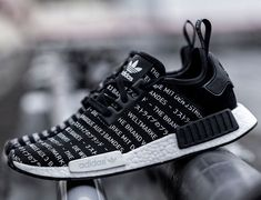 adidas Originals NMD_R1 Blackout