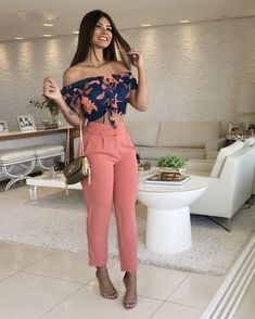 15 women's clothing jumpsuits and pants - Bilder Land Classy Outfits, Sexy Outfits, Chic Outfits, Summer Outfits, Look Fashion, Fashion Pants, Fashion Dresses, Fashion Design, Elegant Outfit