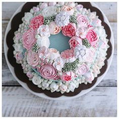 Double flower wreath buttercream cake
