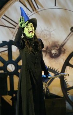 Wicked. The phenomenal Idina Menzel as elphaba. Singing Defying Gravity. What a Broadway powerhouse she is.