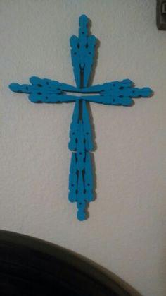 Close pin cross
