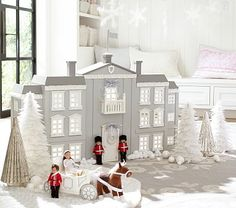 Royal Palace Dollhouse