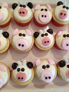 Cow and Pig Cupcakes Piggy Cupcakes, Farm Animal Cupcakes, Cupcake Day, Cupcake Heaven, Pig Party, Farm Party, Farm Birthday, Birthday Ideas, Cupcake Images