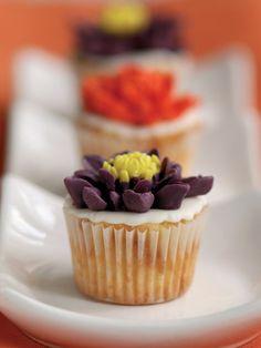 http://www.elele.com.tr/yemek/tatli-tarifleri/cayli-cupcake-HaberDetay-2987