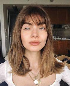 Cut My Hair, New Hair, Hairstyles With Bangs, Cool Hairstyles, Medium Hair Styles, Short Hair Styles, How To Cut Bangs, Short Brown Hair, Corte Y Color