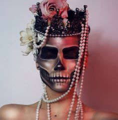 Linda Hallberg - First look for Halloween Halloween Fashion, Halloween Makeup, Halloween Costumes, Halloween Skull, Vampires, Makeup Tips, Beauty Makeup, Lip Makeup, Makeup Art